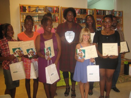 Most of the awardees of Wadalipen with Joanne Hillhouse 2012