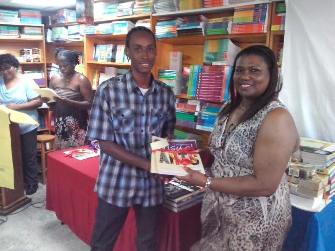 with Shem Alexander - 2010 art winner and 2014 art honourable mention.